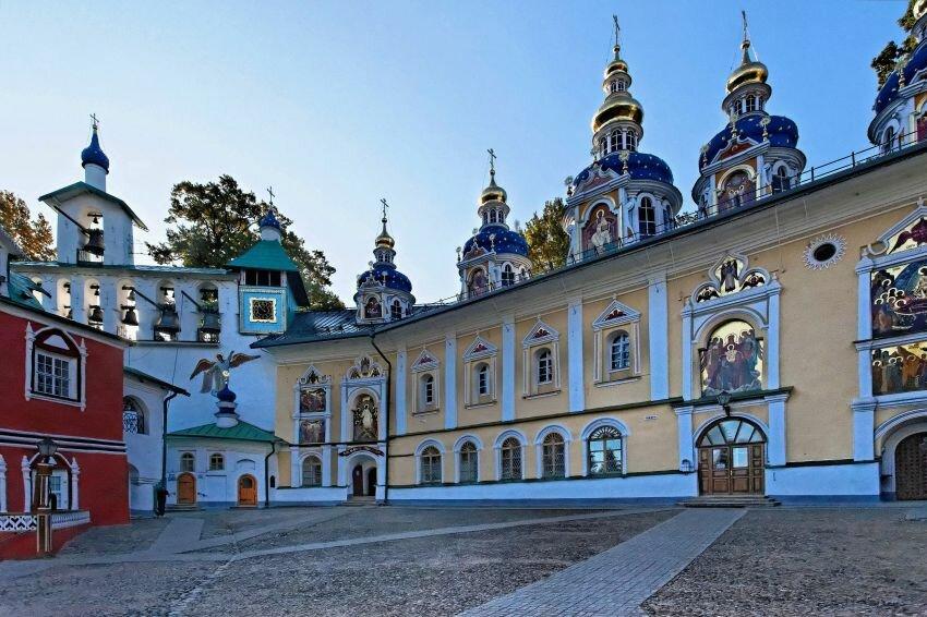 монастырь — Свято-Успенский Псково-Печерский монастырь — Печоры, фото №4