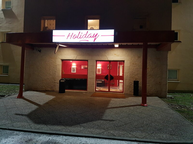 Hôtel Holiday