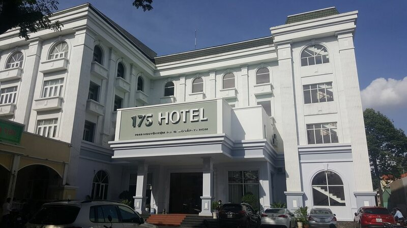Hotel 175