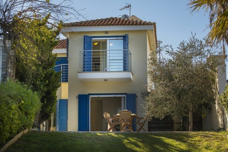 Sirina Waterfront House