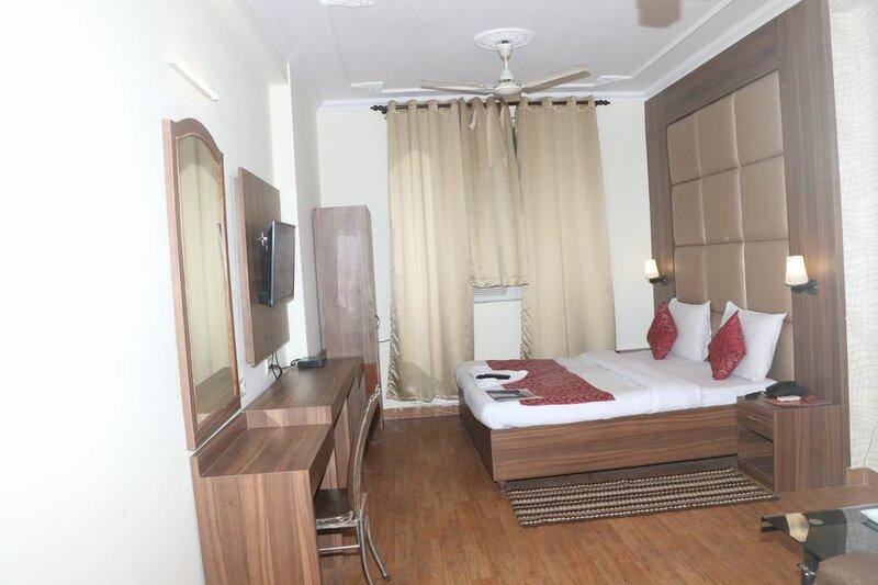 Hotel Kashish Plaza