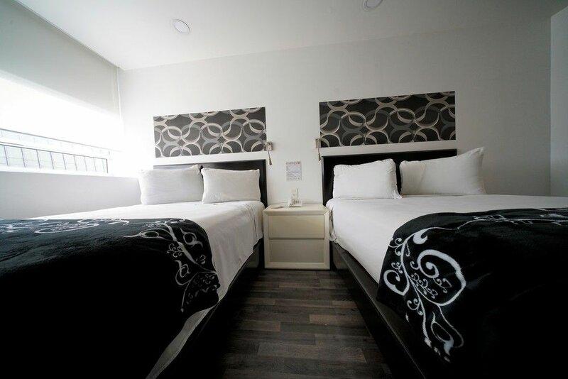 Hotel Black