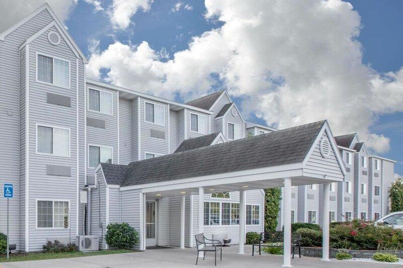 Microtel Inn & Suites by Wyndham Manistee