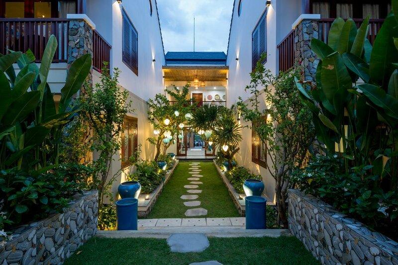 Five Rose Villas