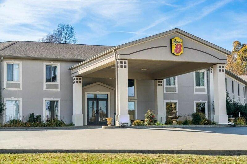 Super 8 Motel - Calvert City