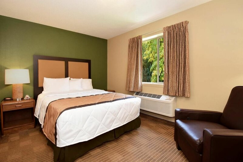 Extended Stay America - Tulsa - Midtown