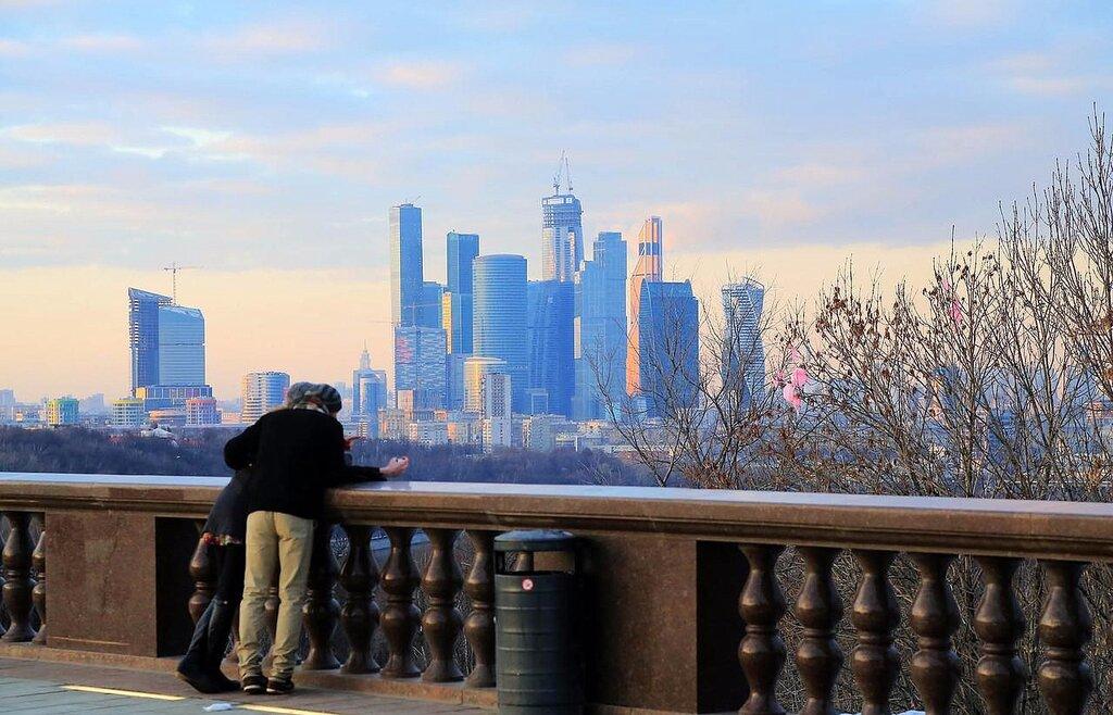 смотровая площадка — Смотровая площадка Воробьёвы горы — Москва, фото №9