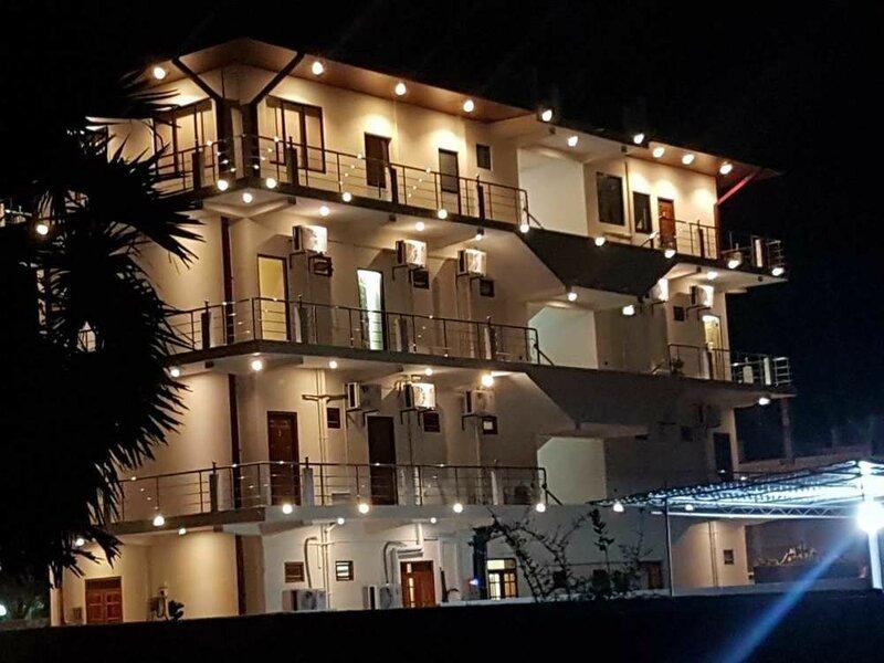 Luxury Everest Hotel