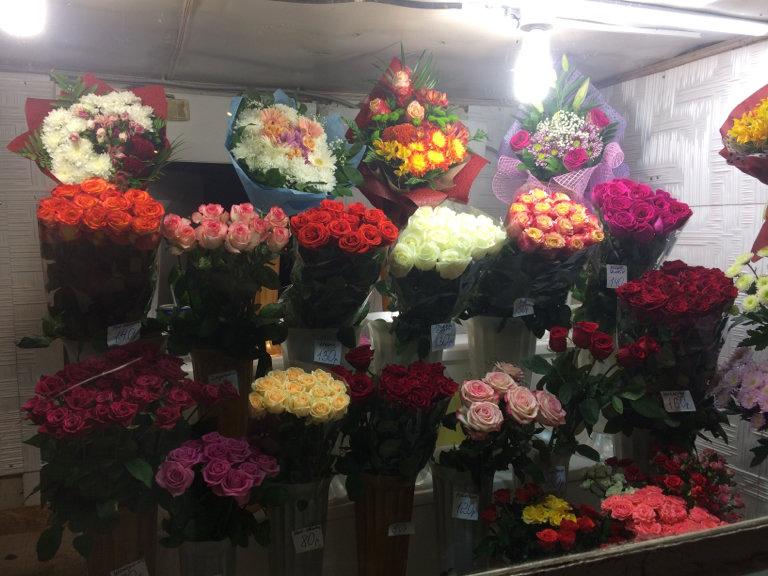 Высылают цветы по почте - магазины, сетки