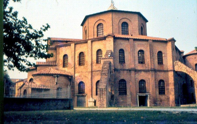 католический храм — Сан-Витале — город Равенна, фото №1