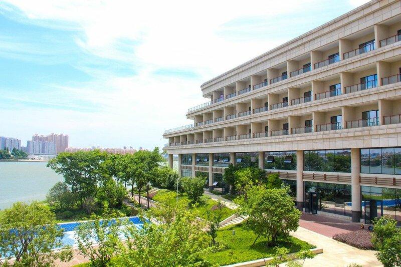Wuhan Liantou Penisula Hotel & Resort