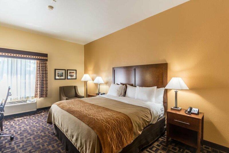 Baymont Inn & Suites Chicago/Aurora