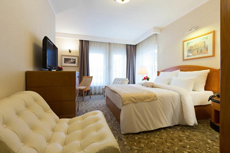 Sterling Hotel