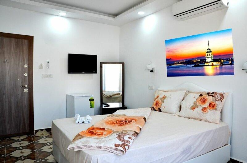 Saraj Deluxe Hotel