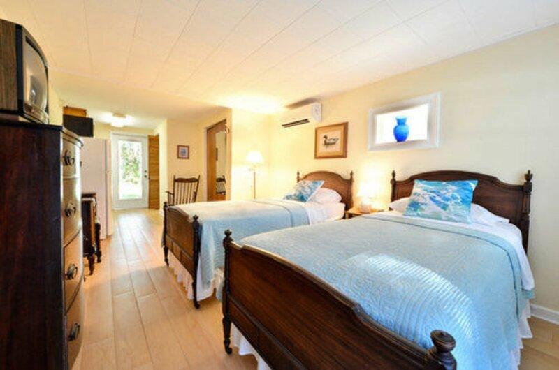Farnsworth House Bed & Breakfast