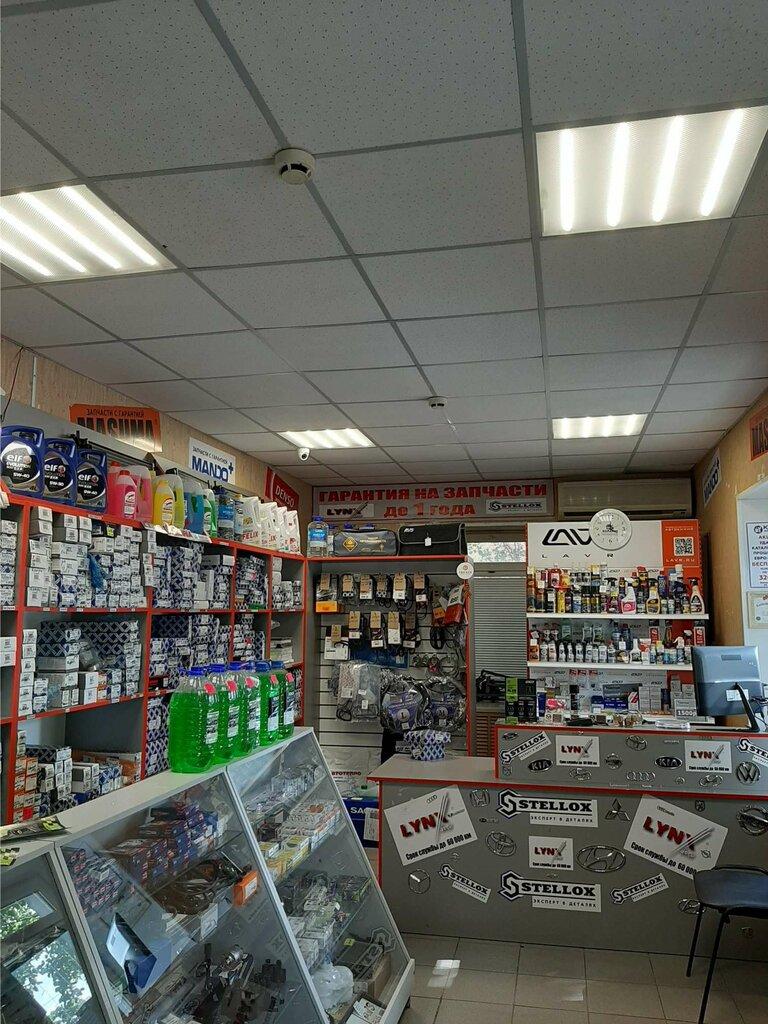 магазин автозапчастей и автотоваров — Мотор- сеть магазинов автозапчастей — Орск, фото №1