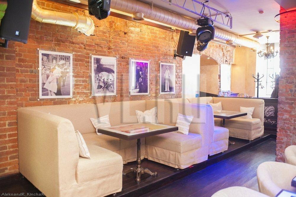 Ночной клуб галерея в хабаровске девушку в ночном клубе разделись