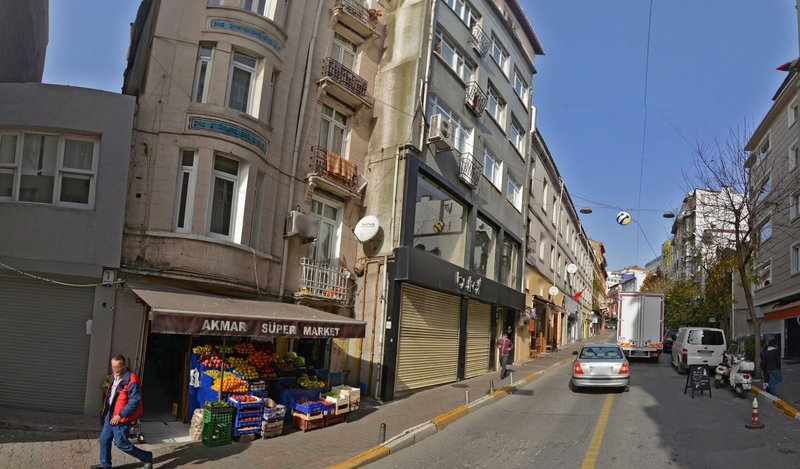 3 Bedroom Apartment In Taksim Galata Up To 7person