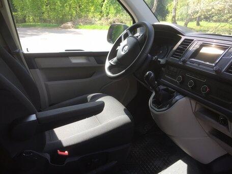 Купить Volkswagen Caravelle пробег 39 000.00 км 2015 год выпуска
