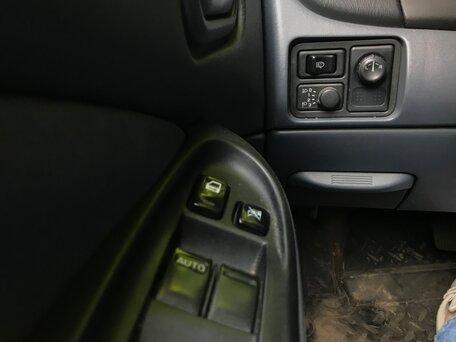 Купить Nissan Almera пробег 182 000.00 км 2004 год выпуска