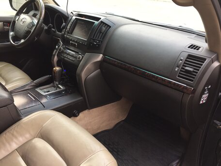 Купить Toyota Land Cruiser пробег 281 000.00 км 2008 год выпуска
