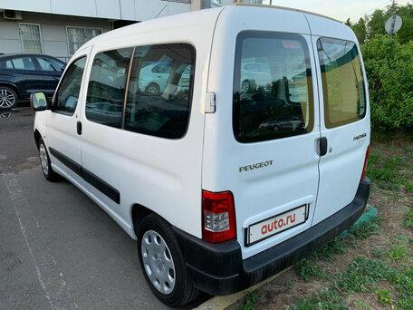 Купить Peugeot Partner пробег 136 541.00 км 2010 год выпуска