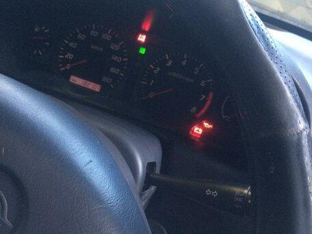 Купить Nissan Wingroad пробег 182 000.00 км 2000 год выпуска
