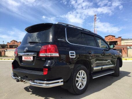 Купить Toyota Land Cruiser пробег 180 100.00 км 2011 год выпуска