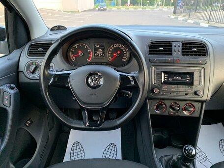 Купить Volkswagen Polo пробег 59 000.00 км 2017 год выпуска