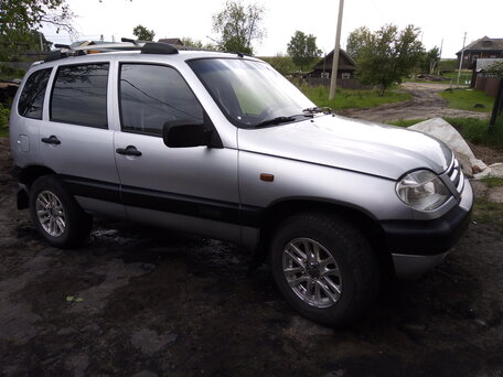 Купить Chevrolet Niva пробег 204 000.00 км 2004 год выпуска