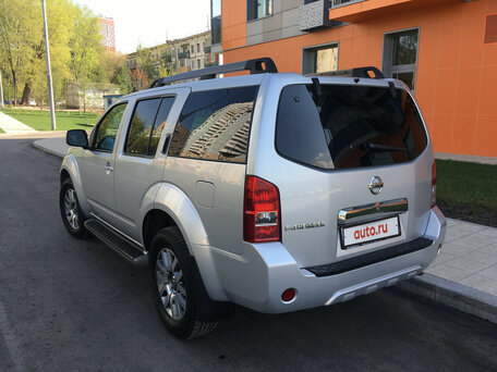 Купить Nissan Pathfinder пробег 122 000.00 км 2010 год выпуска