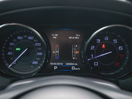 Купить Jaguar XE пробег 21 000.00 км 2015 год выпуска