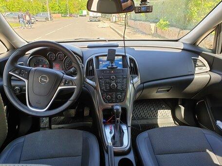 Купить Opel Astra пробег 83 213.00 км 2012 год выпуска