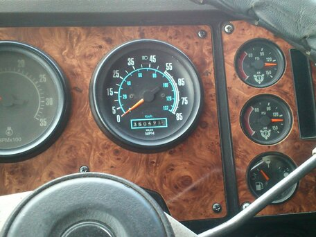 Купить International 9000 Series пробег 600 000.00 км 1998 год выпуска