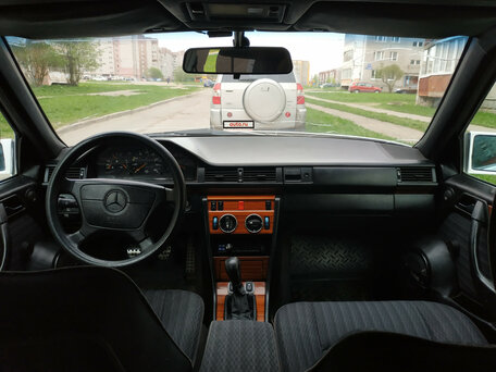 Купить Mercedes-Benz W124 пробег 399 000.00 км 1992 год выпуска