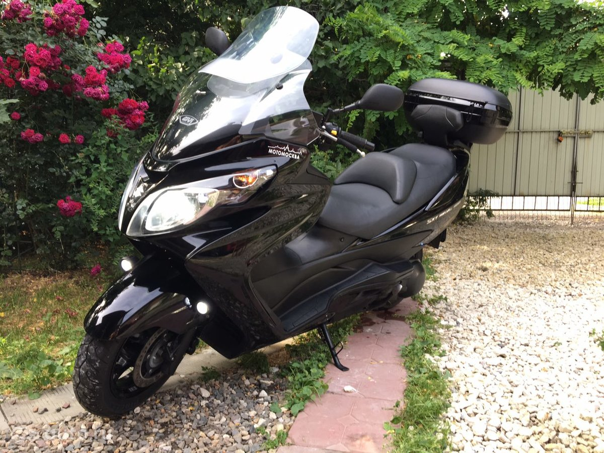 Givi's TB19 backrest + SR19 top case plate - issue 1200x900