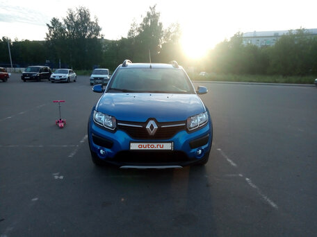 Купить Renault Sandero пробег 41 000.00 км 2015 год выпуска