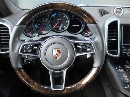 Купить Porsche Cayenne пробег 56 913.00 км 2016 год выпуска