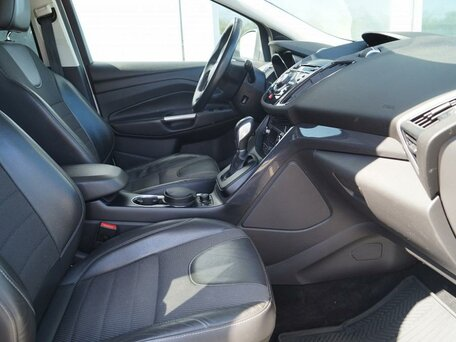 Купить Ford Kuga пробег 58 000.00 км 2015 год выпуска