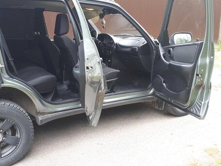 Купить Chevrolet Niva пробег 85 800.00 км 2015 год выпуска