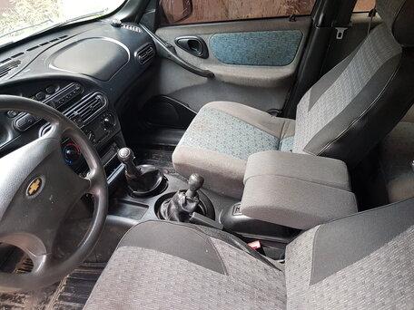 Купить Chevrolet Niva пробег 147 000.00 км 2004 год выпуска