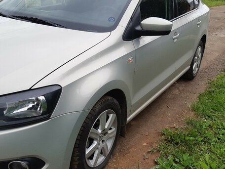 Купить Volkswagen Polo пробег 98 000.00 км 2012 год выпуска