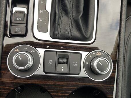 Купить Volkswagen Touareg пробег 111 000.00 км 2014 год выпуска