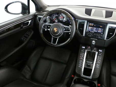 Купить Porsche Macan пробег 62 277.00 км 2014 год выпуска