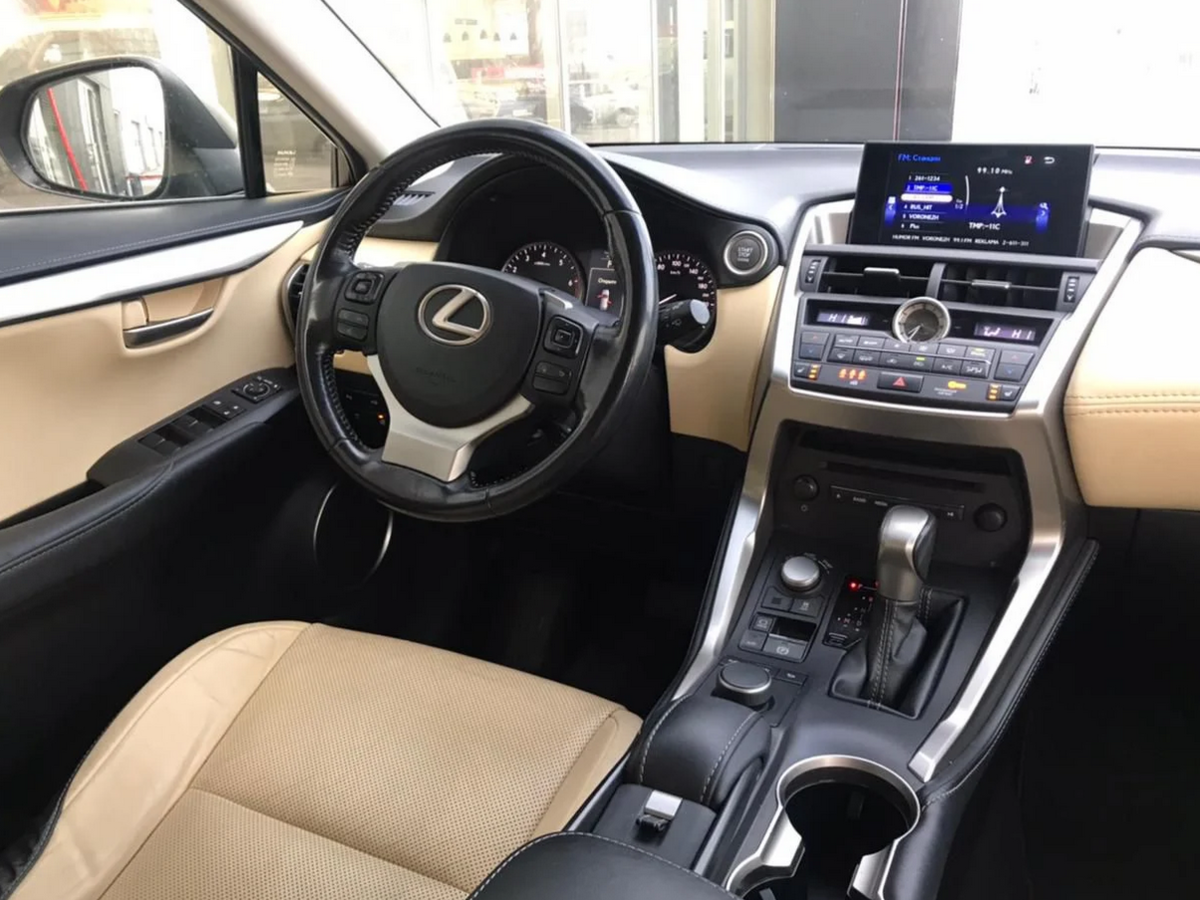 Lexus | 100NX