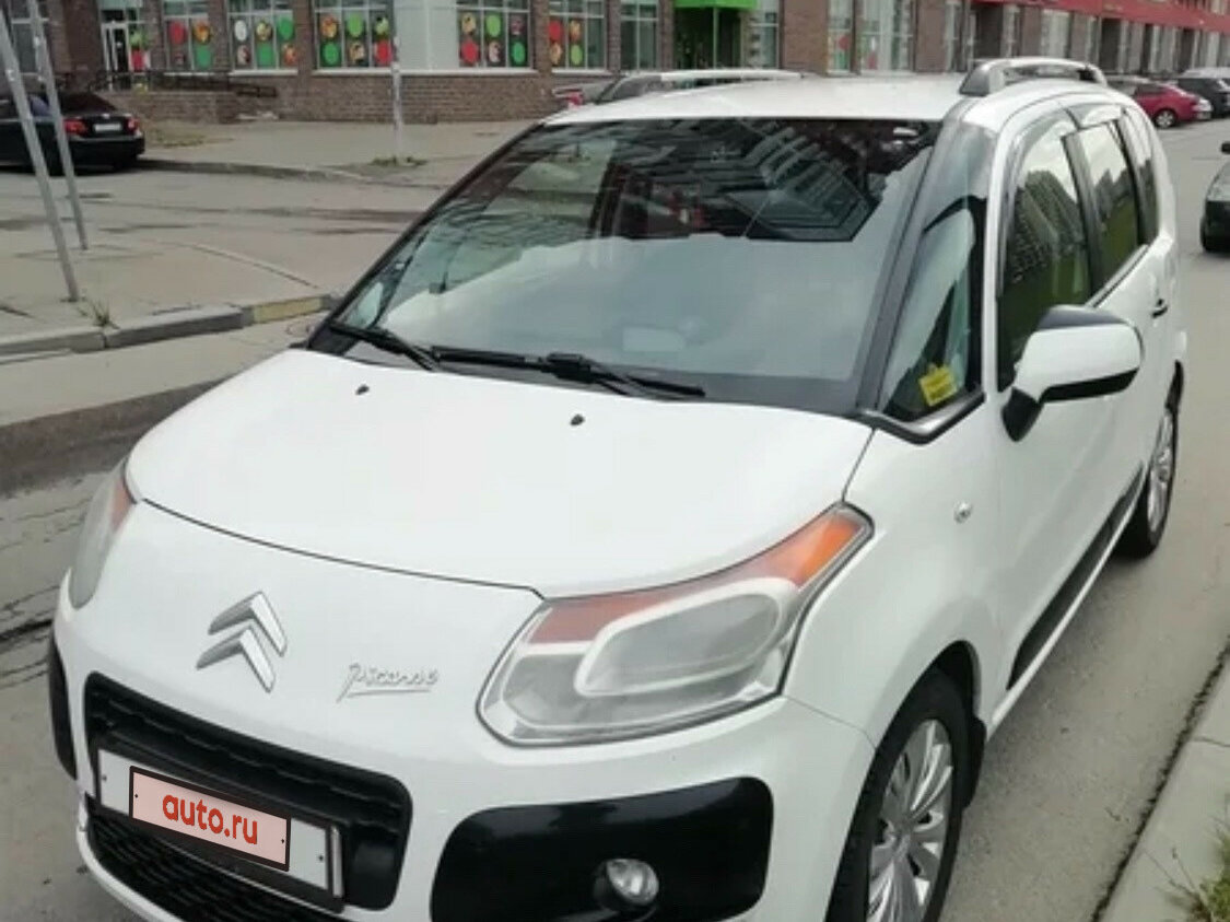 Смотрите, какая машина: Citroen C3 Picasso I 2012 года за 320000 рублей на Авто.ру!