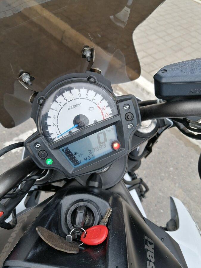 Купить б/у Kawasaki ER-6n инжектор 6 передач в Москве