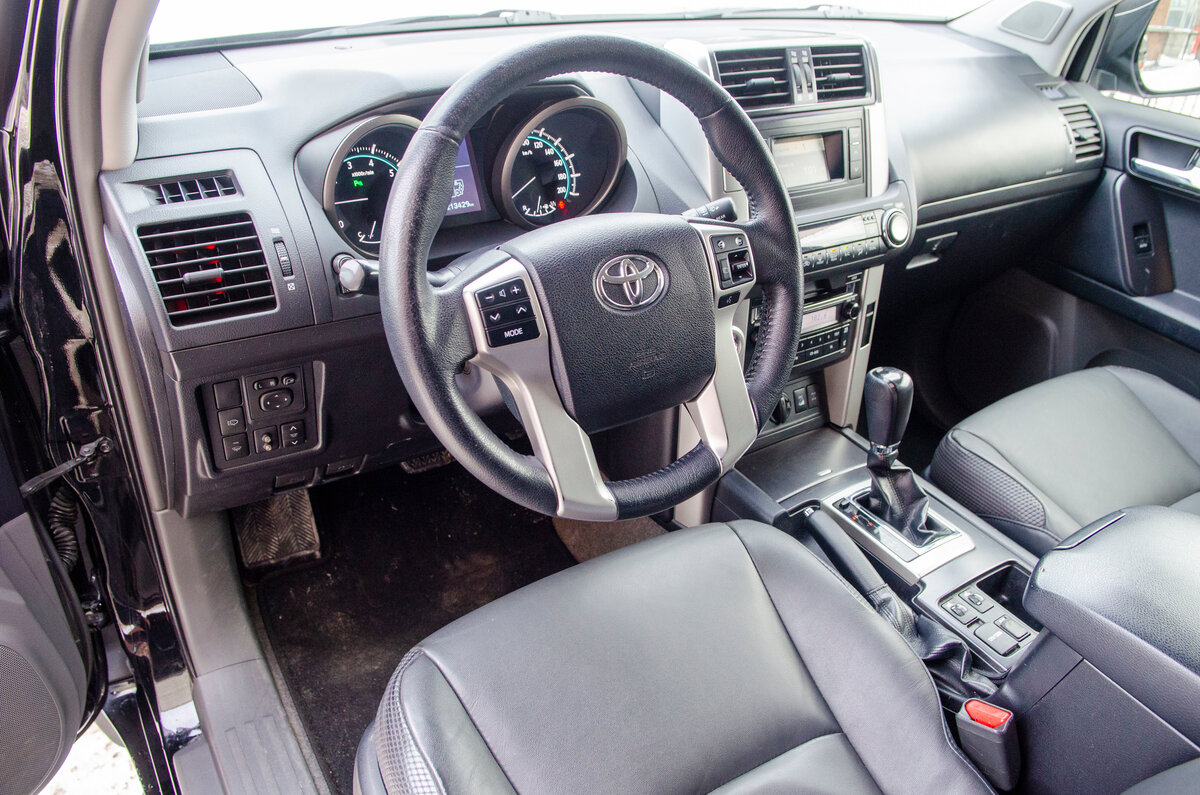 2012 Toyota Land Cruiser Prado  150 Series, чёрный - вид 12