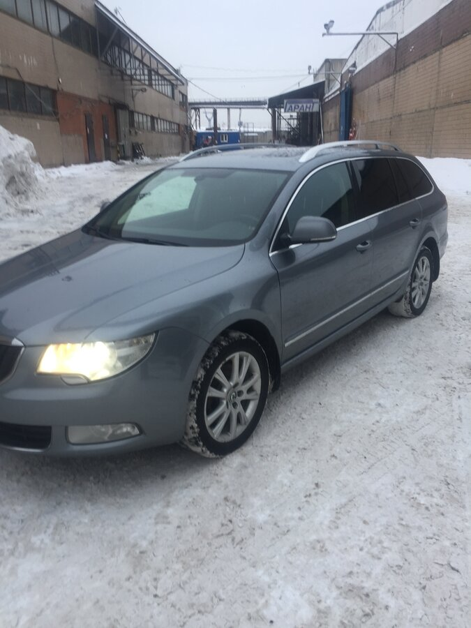 2012 Skoda Superb  II, серебристый