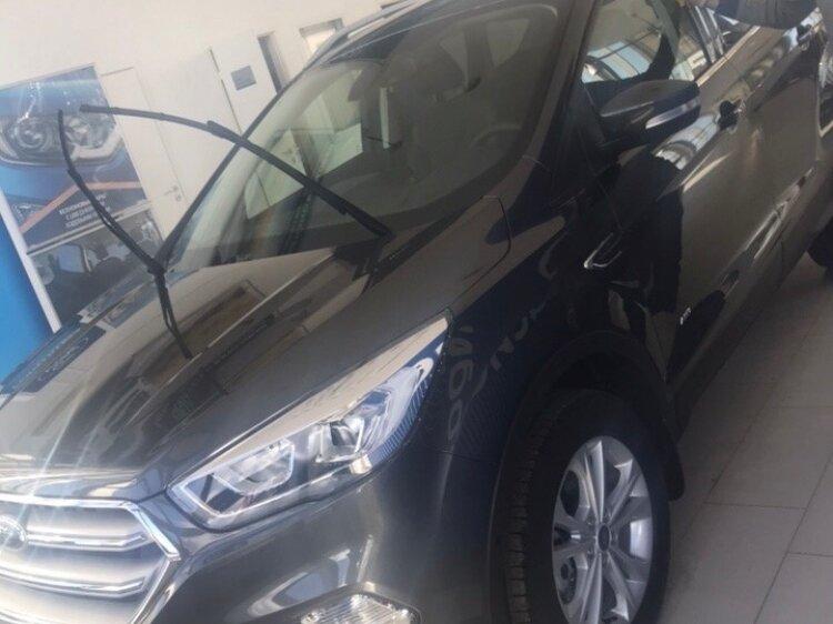 Смотрите, какая машина: Ford Kuga II Рестайлинг 2018 года за 1600000 рублей на Авто.ру!
